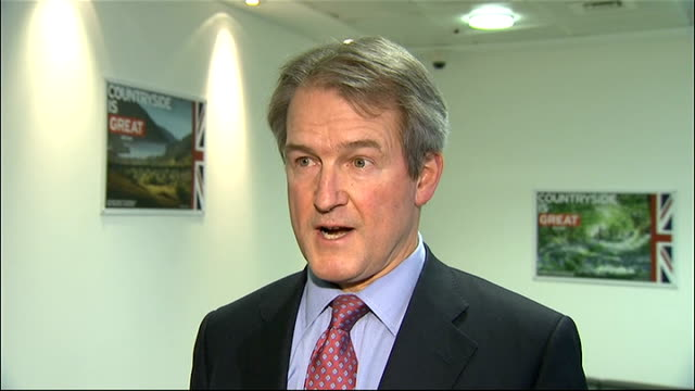 owen paterson interview england central london int owen paterson mp interview sot - 馬肉点の映像素材/bロール