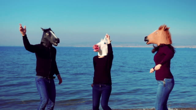 horses dancing on the beach - oggetto creato dall'uomo video stock e b–roll