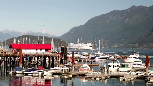 vídeos y material grabado en eventos de stock de bahía de horseshoe de british columbia, canadá - cambio de oficina