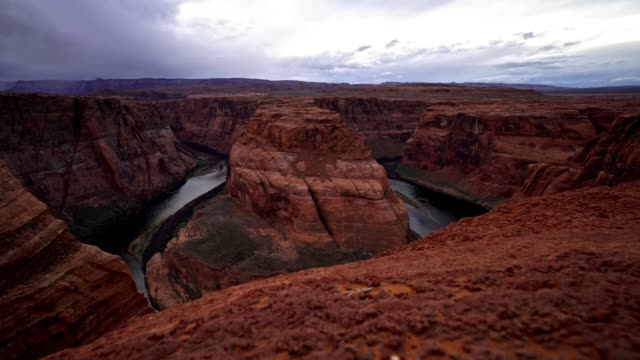 vídeos de stock e filmes b-roll de horseshoe bend timelapse - grand canyon national park