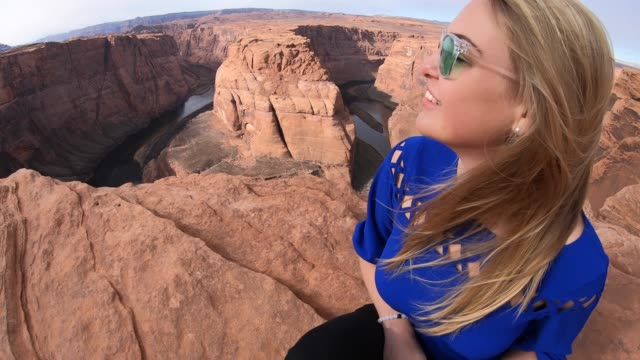 horseshoe bend - grand canyon stock-videos und b-roll-filmmaterial