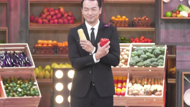 """host lulu, chef fred, actor aaronyan, chef jason wang, former japanese table tennis player ai fukuhara and actor qiu yanxiang attend """"king of chef""""... - only japanese stock videos & royalty-free footage"""