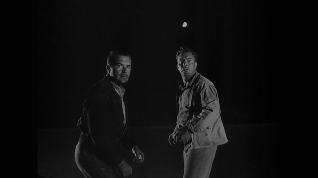 1953 hostages' attempted getaway angers fugitive captor - fuggire video stock e b–roll