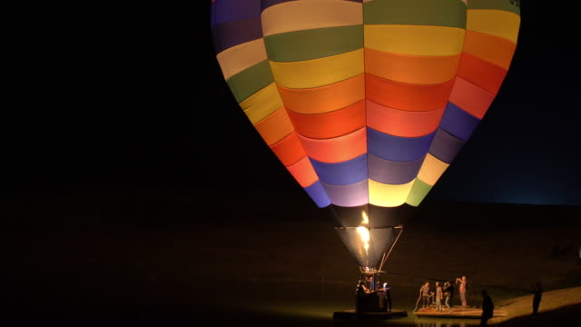 vídeos y material grabado en eventos de stock de festival de globo de aire caliente - globo aerostático