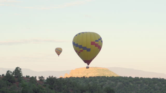 hot air balloon in desert - sedona stock videos & royalty-free footage