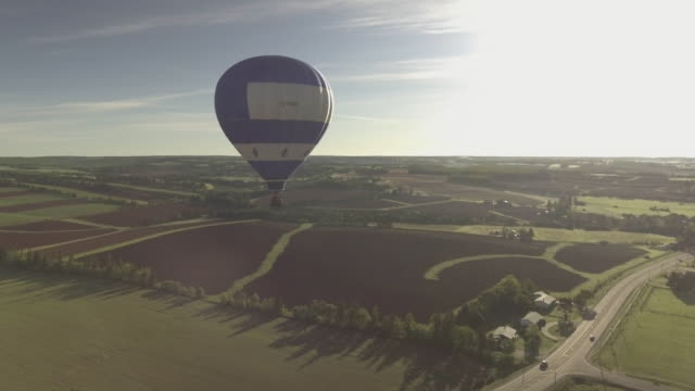 vidéos et rushes de hot air balloon in pei - hot
