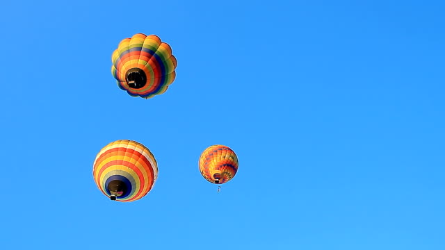 hot air balloon taking off - hot air balloon stock videos & royalty-free footage