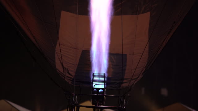 hot air balloon - un singolo oggetto video stock e b–roll