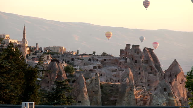hot air balloons in cappadocia,turkey - selimaksan stock videos & royalty-free footage