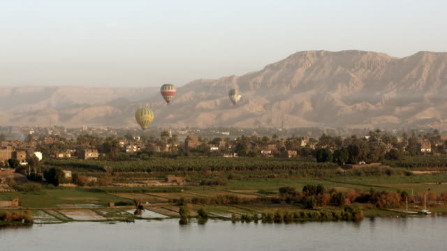 hot air balloons, luxor, egypt - luxor thebes stock videos & royalty-free footage