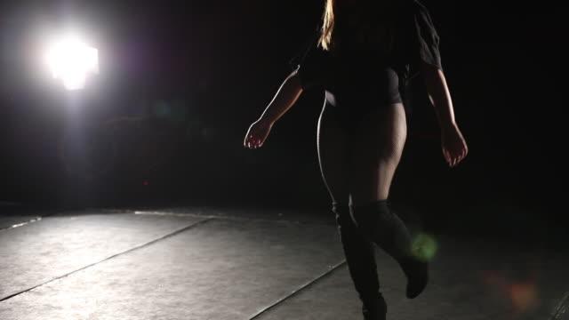 Hot girl twerking