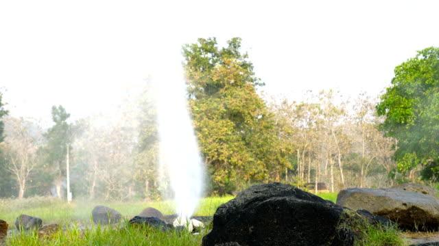 hot spring - natürliches thermalbecken stock-videos und b-roll-filmmaterial