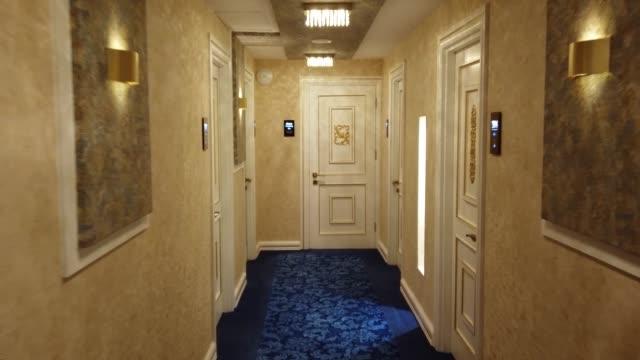 hotellkorridor - lyxhotell bildbanksvideor och videomaterial från bakom kulisserna