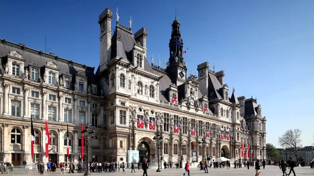 vidéos et rushes de hotel de ville in paris, france. - mairie