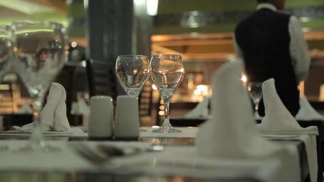 hotel dining tables, nuevo vallarta, nayarit, puerto vallarta, mexico, north america - セレクティブフォーカス点の映像素材/bロール