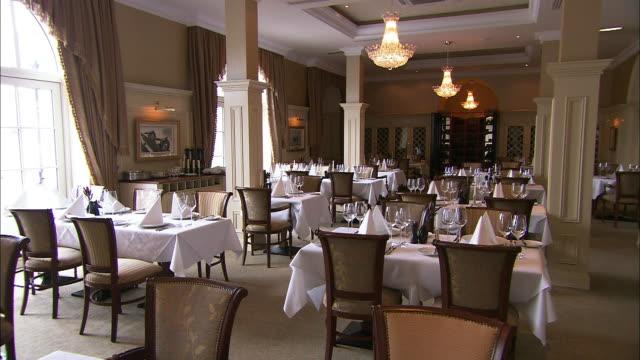 vidéos et rushes de hotel restaurant, traditional decor, lough erne, northern ireland - pièce intérieur de maison