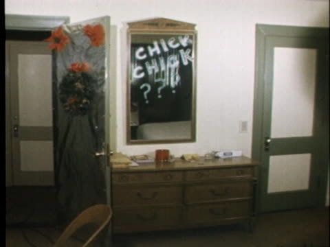 """hotel room occupied by jury members of the charles manson murder trial has the words """"chick chick???"""" written on a mirror. - murder stock videos & royalty-free footage"""