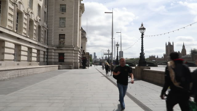hotels and tourist sites reopening in london, united kingdom, on friday, july 2020. - outdoors stock videos & royalty-free footage