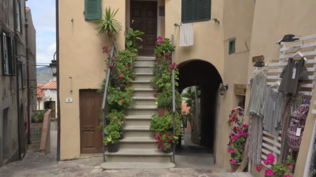 td/ house and shop in old town - island of elba stock videos & royalty-free footage