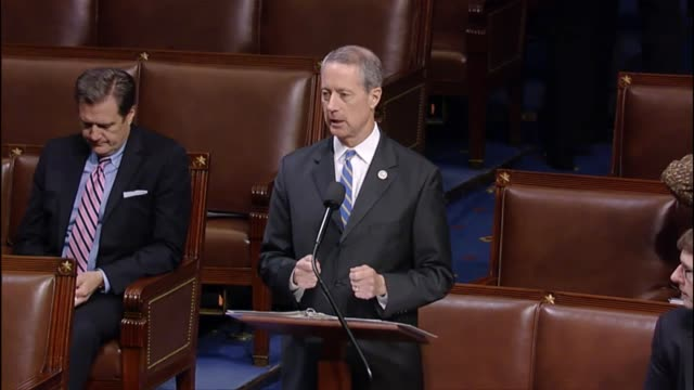 house armed services committee chairman mac thornberry says that the house of representatives needs to pass legislation allowing retired marine corps... - segretario della difesa video stock e b–roll