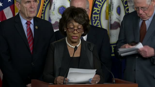house financial services committee ranking democrat maxine waters of california reads at a press briefing days after president donald trump withdrew... - 首相点の映像素材/bロール
