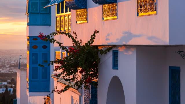 stockvideo's en b-roll-footage met house in sidi bou said village - tunesië