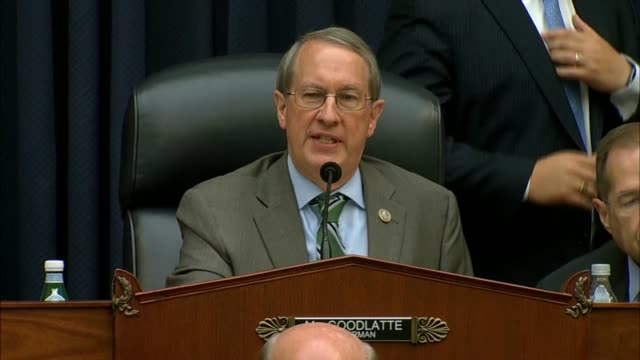 stockvideo's en b-roll-footage met house judiciary committee chairman bob goodlatte puts the question of voting on a motion to table an appeal of his ruling to force fbi deputy... - amerikaanse presidentsverkiezingen