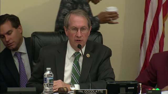 house judiciary committee chairman robert goodlatte of virginia asks irs commissioner john koskinen a series of questions about prior testimony... - seguire attività che richiede movimento video stock e b–roll