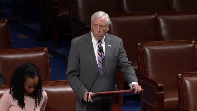 vídeos de stock e filmes b-roll de house majority leader steny hoyer of maryland says on day 34 of a partial government shutdown that he had been to 38 states where government was... - maryland estado