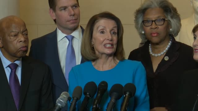 vídeos de stock e filmes b-roll de house minority leader nancy pelosi of california tells reporters at a news conference after being elected presumptive speaker by democrats in a... - congresso organizações