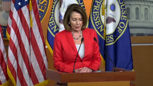 vídeos de stock, filmes e b-roll de house minority leader nancy pelosi of california tells reporters at a weekly briefing days after a primary in her state that voters were rejecting... - eleição primária