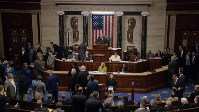 house minority whip steny hoyer of maryland presses the presiding officer with a preliminary inquiry about having held votes open as house... - アメリカ連邦議会点の映像素材/bロール