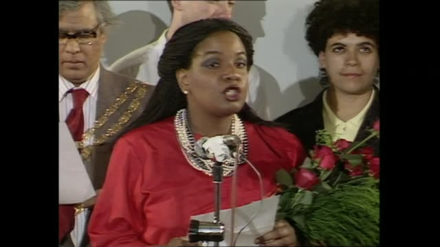 vidéos et rushes de house of commons diversity; as110687036 - 11.6.1987 england: london: hackney: int labour's diane abbott giving speech after becoming britain's first... - hackney