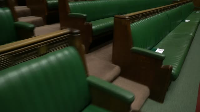 london westminster int houses of parliament interiors including house of commons despatch box frontbenches central lobby etc - britisches unterhaus stock-videos und b-roll-filmmaterial