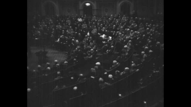 stockvideo's en b-roll-footage met us house of representatives in session / rep gilbert haugen / rep fred allan hartley jr and family / note exact month/day not known - 1920 1929