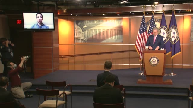 house republican leader kevin mccarthy of california is asked by a remote journalist but expectations for special election in the race to replace... - hill点の映像素材/bロール