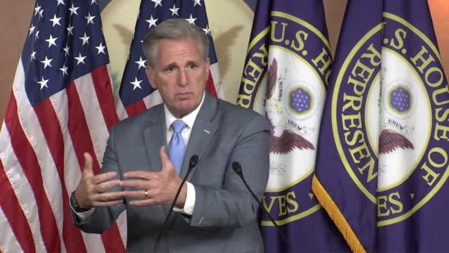 house republican leader kevin mccarthy tells reporters at a weekly news conference that he laid out a plan to reopen congress amid the coronavirus... - capital letter点の映像素材/bロール