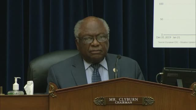house select coronavirus investigative subcommittee chairman jim clyburn asks infectious disease expert anthony fauci why europe had largely... - {{asset.href}} stock-videos und b-roll-filmmaterial
