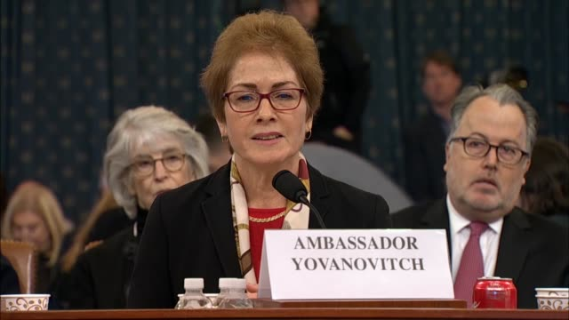 house select intelligence committee majority counsel daniel goldman asks former us ambassador to ukraine marie yovanovitch at the second public... - botschafter stock-videos und b-roll-filmmaterial