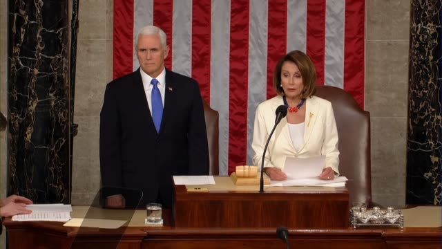 house speaker nancy pelosi announces members of of a committee appointed to escort president donald trump into the house chamber for the 2019 state... - rede zur lage der nation usa stock-videos und b-roll-filmmaterial