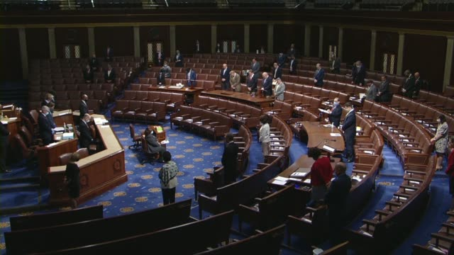house speaker nancy pelosi calls the house to order to ask all members in the chamber members and staff of the capitol and members where they were... - camera dei rappresentanti degli stati uniti video stock e b–roll