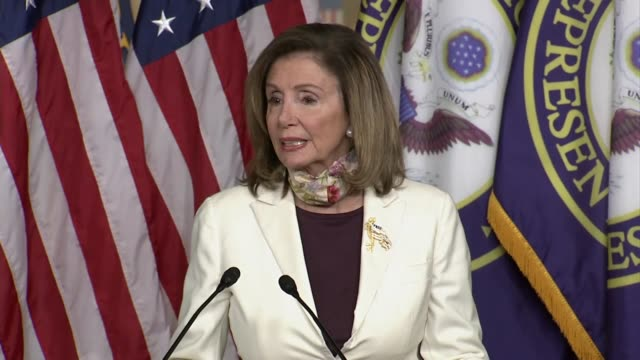 house speaker nancy pelosi tells reporters at a weekly press conference with senator chuck schumer about negotiations on a second comprehensive... - membro del congresso video stock e b–roll