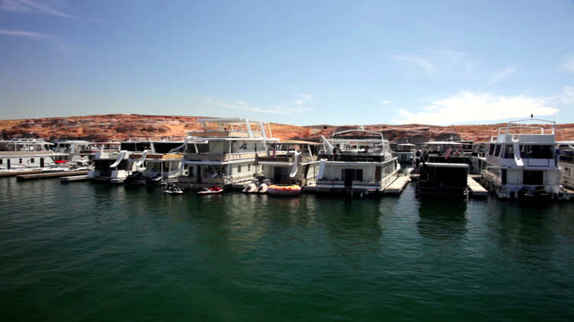 houseboats at lake powell - lago powell video stock e b–roll