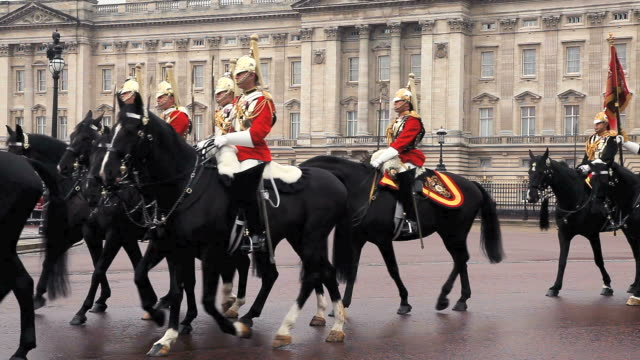 ms household cavalry at buckingham palace audio / london, united kingdom - palace video stock e b–roll
