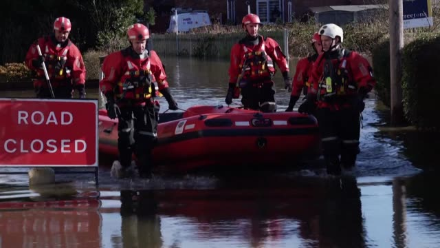 houses and farms are flooded in snaith east yorkshire after the river aire burst its banks forcing people to evacuate their homes - weather stock videos & royalty-free footage