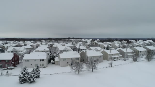 wgn houses in cary illinois after a snowfall on november 26 2018 - quarter stock videos & royalty-free footage