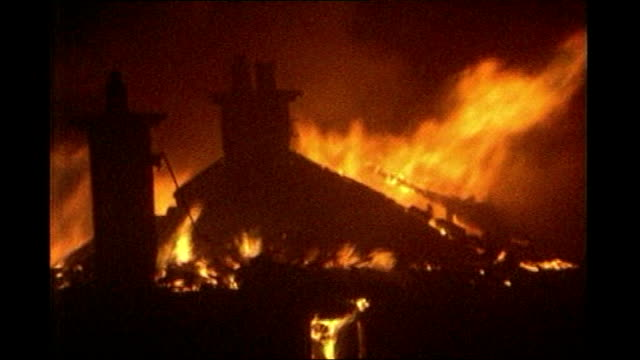 lib houses on fire following crash of pan am flight 103 plane into lockerbie - lockerbie stock videos & royalty-free footage