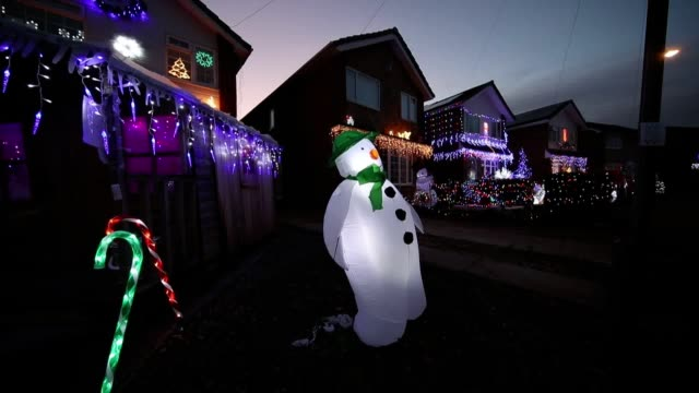 houses on stone brig lane in rothwell, yorkshire, are illuminated by christmas lights during an event that has become know as the stone brig lights.... - intricacy stock videos & royalty-free footage