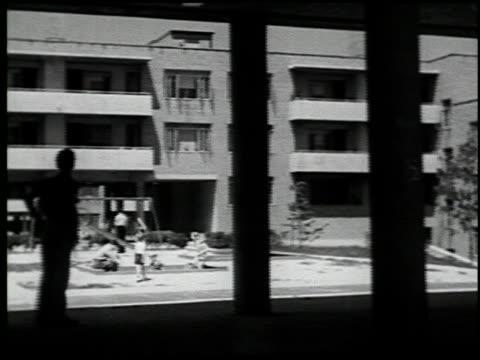 housing in our time - 20 of 20 - この撮影のクリップをもっと見る 2183点の映像素材/bロール