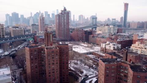 vidéos et rushes de housing projects in new york city winter - lotissement